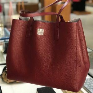 ❤️New MCM Wandel Medium Reversible Ruby Tote Bag